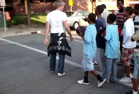 USA: Somali Muslim kids in Minnesota harass gay man with 'we hate gays' taunts and pelt stones